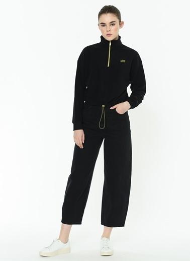 Levi's® 215740002 Trekker Quarter Zip Caviar Fermuarli Büzgülü Dik Yaka Polar Kadın Sweatshirt Siyah